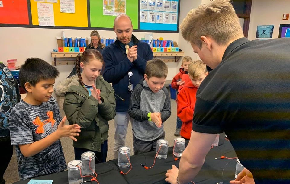 Students work on science experiment